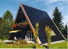 solar-system-and-photovoltaic-mountain-house.jpg (600×433)