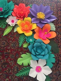 Leaf Template, Flower Template, Large Paper Flowers, Diy Flowers, Paper Lotus, Lilo E Stitch, Construction Paper Crafts, Paper Flower Backdrop, Diy Arts And Crafts