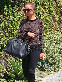 love this sweater Nicole Richie is wearing