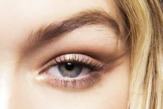 How to Use the Abandoned Colors in Your Go-To Eye Shadow Palette via @ByrdieBeauty