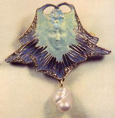 Lalique 1899-1901 signed 'Face of a Woman & Pansies' Brooch: gold, diamonds, piqué-à-jour enamel, pearl
