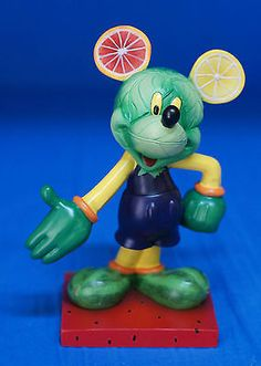 Mickey-Fruits-of-the-Mouse-6-Resin-Figurine-17815-Disney-Inspearations-Retired
