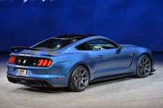 Ford Mustang GT350R adds a lot more than just a new letter