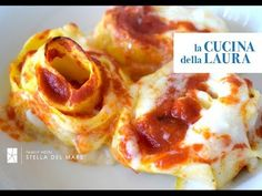 come fare i nidi di rondine - La Cucina della Laura - YouTube Crepes, Ricotta, Lasagna, Italian Recipes, Entrees, Biscuits, French Toast, Food And Drink, Cooking