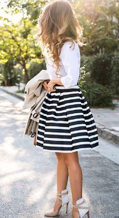 Classic Striped Print Structured Swing Skirt