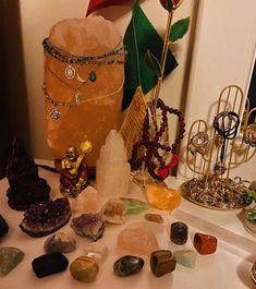 Room Design Bedroom, Room Ideas Bedroom, Crystal Altar, Crystal Healing, Aesthetic Room Decor, Witch Aesthetic, Crystals And Gemstones, Stones And Crystals, Crystal Room Decor