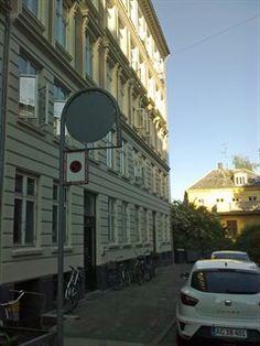 Franckesvej 3, st. tv., 2000 Frederiksberg - Super charmerende 2 vær. lejlighed med fantastisk beliggenhed #frederiksberg #københavn #ejerlejlighed #boligsalg #selvsalg