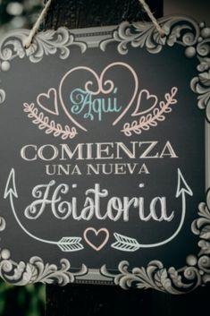 ¿Qué frases de amor o bienvenida escribirán en sus letreros de matrimonio?  #colombia #boda #matrimonio #wedding #matrimoniocomco #noscasamos #matrimonios2019 #noviascolombianas #noviascolombia #modanupcial #co #inspiración #novias2018 #novias2019 #ideasdematrimonio #carteles #letreros #tableros #frases #letras #pizarras #cartelbienvenida #frasesoriginales #tipografía #decoración Boho Wedding, Dream Wedding, Wedding Day, Wedding Phrases, Welcome Table, Ideas Para Fiestas, Custom Posters, Wedding Styles, Wedding Planner