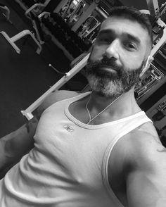 Gym Time!  #emeraniceto #emersonaniceto #emersonanicetophotography #gymlife #gymtime #gymselfie #fitness #fitnessmodel #fitnessphotography #fitnessphotographer #mensphisique #manbeauty #beardman #musclebears by emeraniceto