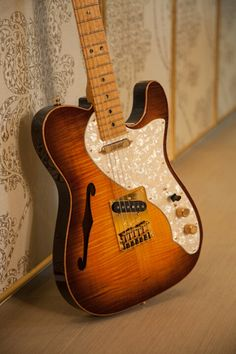 Fender Select Thinline Telecaster with Gold Hardware