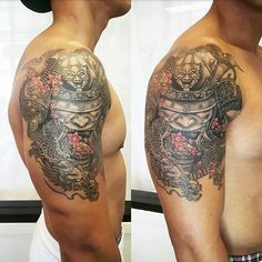 【denise_daruma】さんのInstagramをピンしています。 《Design from @elvintattoo brought in by client. Added the fudog head on helmet. #samurai #samuraihelmet #dragon #fudog #blackandgrey #details #japanesetattoo #asiantattoo #cherryblossoms #flower #ink #art #design #tattoo》