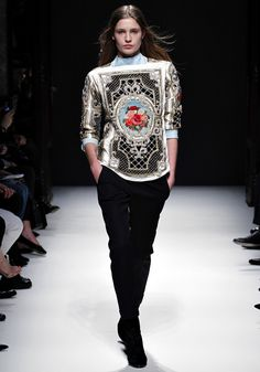 I can't decide if I'd want to wear that piece or put it in my living room. Balmain Fall 2012 RTW.