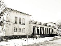 Dem Verfall preisgegeben: das ehemalige Kulturhaus auf dem Campus am Bogensee