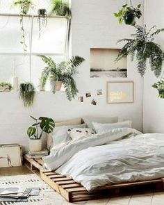 5 Admirable Tips AND Tricks: Minimalist Decor Minimalism Apartment Therapy traditional minimalist home apartment therapy.Minimalist Living Room Small Interior Design minimalist home with children tiny house.Minimalist Home Industrial Interior Design. Boho Bedroom Decor, Living Room Decor, Boho Decor, Living Rooms, Bedroom Plants Decor, Bedroom Lighting, Bedroom Decor Elegant, Plant Rooms, Tropical Bedroom Decor