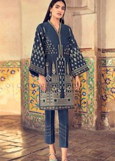 Gul Ahmed Summer Premium Lawn 2019 Collection | Gul Ahmed Premium Lawn 2019 | Gul Ahmed Lawn '19 Collection | Sanaulla Store Pakistani Fancy Dresses, Pakistani Outfits, Salwar Neck Designs, Textile Design, Textile Prints, Fashion Illustration Sketches, Dress Drawing, Indian Embroidery, Embroidery Patterns