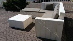 Loungebank in een hoekvorm met bijpassende bankkussens 6 cm. Voor meer informatie kijkt u dan op: www.yambee.nl Of stuurt u ons een mail met uw vraag naar: info@yambee.nl