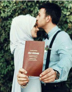 Nurcan Kacira – T-Shirts & Sweaters Muslim Wedding Dresses, Disney Wedding Dresses, Wedding Hijab, Hijab Bride, Muslim Brides, Muslim Couple Quotes, Cute Muslim Couples, Muslim Couple Photography, Wedding Photography Poses