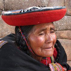 QUECHUA LADY - PERU
