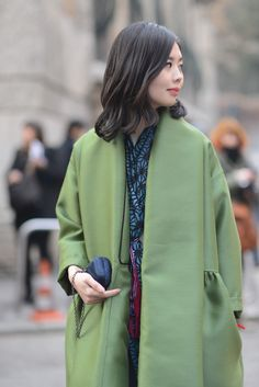 Nancy Zhang in Alberta Ferretti Coat. #albertaferretti #milano #milanofashionweek #fashionshow #limitededition #coat #green #city #street #fashion #look #nancyzhang