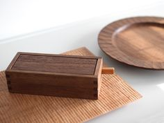Carved Walnut & Cherry Woodworks by Tomokazu Furui at OEN Shop - http://the189.com/in-the-shop/carved-walnut-cherry-woodworks-by-tomokazu-furui-at-oen-shop