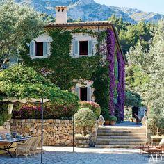 How Obama's Designer, Michael Smith, Does a Spanish Villa