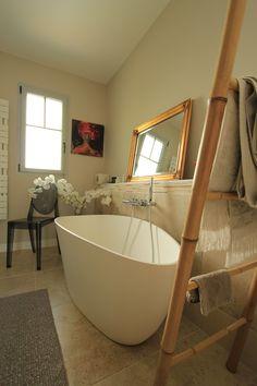 Belle Maison Arcachonnaise : Baignoire Moderne