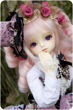 Company: Volks Head: MSD F-18 Body: SDC Eyes: Gumdrops Wig: Leekeworld Face-up Artist: Call me Gorgeous (cats15) Clothes: Dollheart Notes: This is Usagi's first photoshoot and my first shoot in almost two years! Please be kind and generous to us.