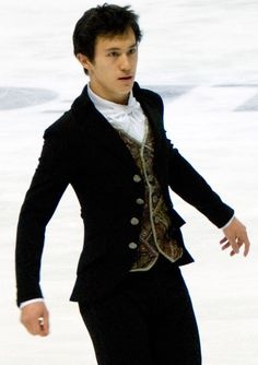 Cup_of_Russia_2010_-_Patrick_Chan_(4).jpg (494×700)