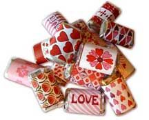 I love everything from the Toy Maker!  Really like these Valentine wrappers for Hershey's Miniatures.