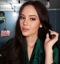 Miss World Philippines 2016 Catriona Gray Grey Makeup, Beauty Makeup, Hair Beauty, Beauty Care, Beauty Hacks, Grey Eyebrows, Miss Universe Philippines, Filipina Beauty, Asian Cute