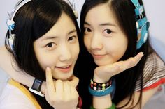 Another set of twins can be found in the Korean entertainment industry! Ryu Hwayoung is best known for being a former member of T-ARA and is now preparing to become an actress. Younger twin Ryu Hyoyoung was originally set to debut as a member of T-ARA but ended up debuting as a member of Coed School instead. She is now a member of the girl group F-ve Dolls.