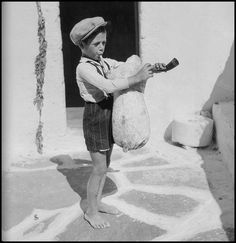 Greece Pictures, Paros Greece, Paros Island, Greek History, Vintage Pictures, Old Photos, The Past, Culture, Memories