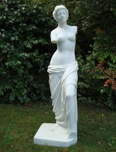 Venus de Milo Statue Garden Sculpture Ornament Art. Buy now at http://www.statuesandsculptures.co.uk/garden-sculptures-ornament-art-venus-de-milo-statue