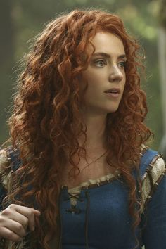 Can I just say that I love Merida in OUAT? They picked the perfect actress for this character. Dark Swan, Gorgeous Redhead, Redhead Girl, Ouat, Once Upon A Time, Freckles, Redheads, Curly Hair Styles, Curly Red Hair