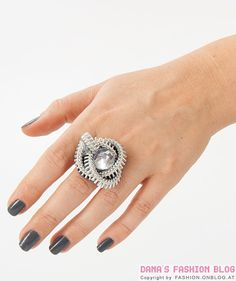 Jewelry DIY Tutorial: Zipper Ring