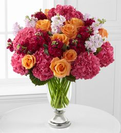MJ: I like the fullness of this. This a great look for my bouquet!