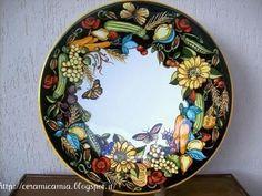 Piatto di ceramica dip.a mano con ortaggi, 52cm. #Majolica #Italy http://ceramicamia.blogspot.it/2009/10/gli-ortaggi-con-il-sorriso-del.html