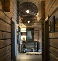 Fabulous colour on the walls Chalet Interior, Interior Exterior, Cabin Homes, Log Homes, Chalet Design, House Design, Chalet Chic, Wooden House, Wooden Walls