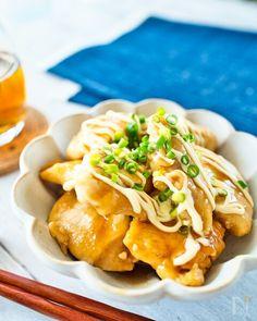 今回は家計の味方、鶏むね肉を使った簡単で美味しい&お得なメニューのご紹介♪ タレはお酢でさっぱりとしているんですが、しっかりとコクもあるのでご飯がすごい進みます! むしろ丼にして食べたい♪ Spaghetti, Meat, Chicken, Ethnic Recipes, Food, Essen, Meals, Yemek, Noodle