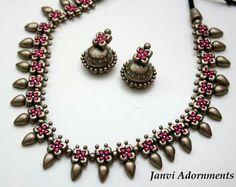Terracotta Jewellery Designs, Antique Jewellery Designs, Fancy Jewellery, Funky Jewelry, Jewelry Model, Temple Jewellery, Jewelry Crafts, Handmade Jewelry, Jewelry Design