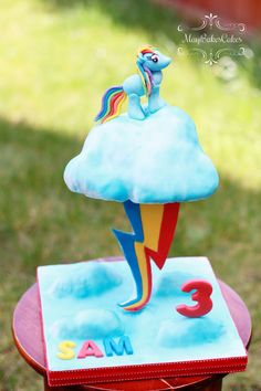 MLP Rainbow Dash cake by MayBakesCakes