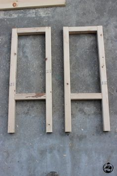 Learn Woodworking Easy DIY Stool Plans - Rogue Engineer - Photo 4 More - Free DIY step-by-step plans to build the easiest bar stools ever. No woodworking experience required. Wood Projects For Beginners, Easy Wood Projects, Cool Woodworking Projects, Learn Woodworking, Popular Woodworking, Woodworking Plans, Woodworking Apron, Woodworking Machinery, Woodworking Videos