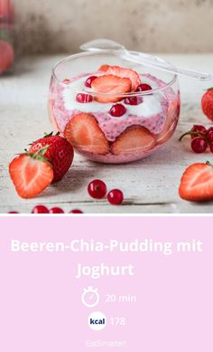pudding with yogurt - Berry chia pudding with yoghurt – smarter – calories: 178 kcal – time: 20 min. Strawberry Chia Seed Pudding, Coconut Chia Seed Pudding, Chocolate Chia Seed Pudding, Vanilla Chia Pudding, Clean Eating Recipes For Dinner, Clean Eating Breakfast, Clean Eating Snacks, Overnight Chia Pudding, Yogurt