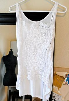 DIY Clothes Refashion: DIY. A touch of crochet blouse.