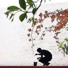 Na 2ª foto de domingo, Street Art do artista Pejac, artista que trabalha nas ruas espanholas.  #arquitetura #arte #art #artlover #design #architecturelover #instagood #instacool #instadesign #instadaily #projetocompartilhar #shareproject #davidguerra #arquiteturadavidguerra #arquiteturaedesign #instabestu #decor #architect #criative #photo #decoracion #smogone #glasgow #streetart #pejac #spain