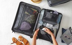 Women's carry on packing list for long-term travel - Mrs. Outfit Essentials, Travel Essentials, Carry On Packing, Packing Tips, Travel Packing, Travel Capsule, Packing Cubes, Asia Travel, Travel Bags