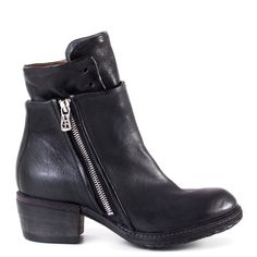 The A.S. 98 Cadmus is a must have for the coming FW16 season. This simplace ankle boot design is constructed with soft leather to create a comfortable and fitted look. These will go with everything in your wardrobe.