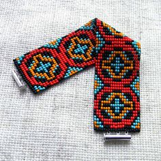 This Pin was discovered by asm Peyote Stitch Patterns, Bead Loom Patterns, Beading Patterns, Bead Loom Bracelets, Beaded Bracelet Patterns, Bead Crafts, Jewelry Crafts, Native American Beadwork, Tear