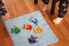 Repeat Crafter Me: DIY Fishing Game with Felt Fish.  Cute template.