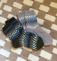 Knitting Socks, Knitting Ideas, Fun Projects, Slippers, Diy Crafts, Crochet, Pattern Ideas, Craft Ideas, Knit Socks